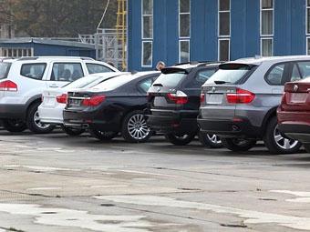 В январе импорт легковушек в Россию вырос почти в три раза