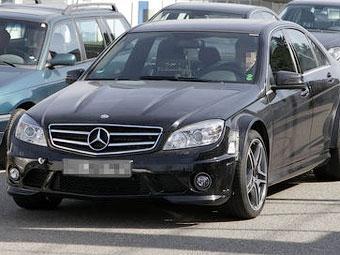 """Купе Mercedes-Benz C-Class получит 520-сильную """"Черную серию"""""""