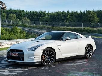 Nissan рассекретил подробности об обновленном суперкаре GT-R