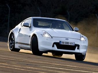 Компания Nissan слегка модернизировала купе 370Z