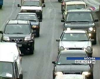 Со Смоленской площади эвакуировали 56 автомобилей