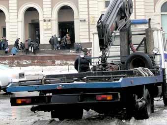 Эвакуировать автомобили в Москве будут цивилизованно