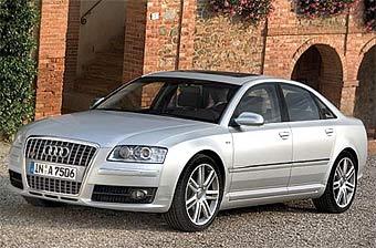 """Audi представила """"заряженную"""" версию седана A8"""