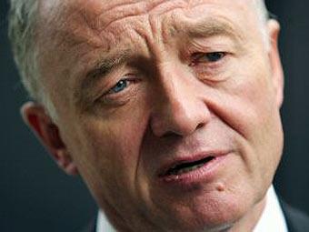 Мэр Лондона пообещал оставить посольство США без транспорта