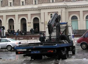 Московские эвакуаторы отобрали у ГАИ и сделали бесплатными