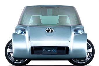 Концептуальный минивэн Toyota получил четыре поворотных колеса