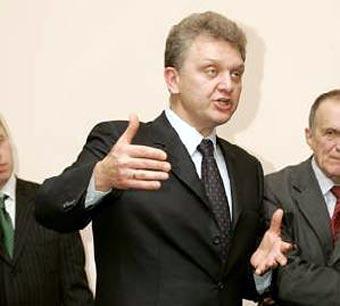 Христенко требует увеличить пошлины на пятилетние иномарки