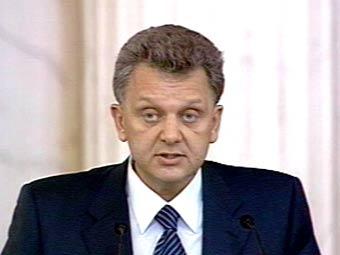 Христенко пообещал не запрещать машины с правым рулем