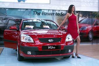 """На """"Мотор Шоу-2005"""" Kia Motors показала новый Rio и внедорожник Sportage"""