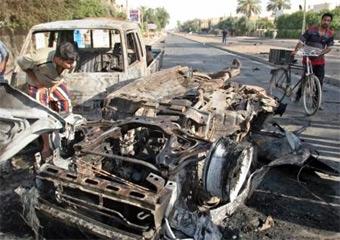 В результате трех взрывов в Багдаде погибли более 30 человек