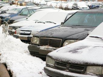 Московские дороги завалило снегом