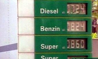 Половина россиян готовы покупать бензин по доллару за литр