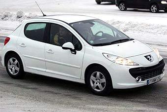Появились новые шпионские фотоснимки Peugeot 207
