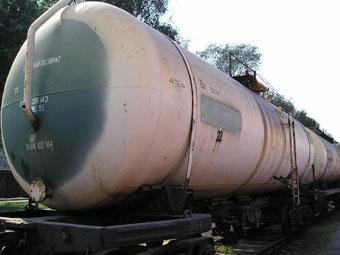 Железнодорожная цистерна выехала на московскую улицу