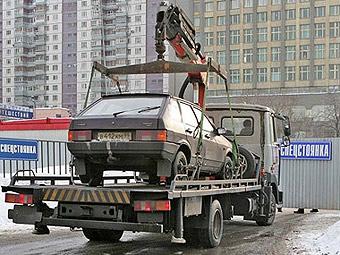 В Москве появились эвакуаторы для расчистки автобусных остановок