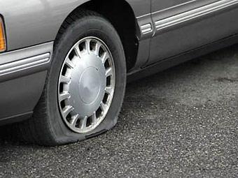 Автомобилисты спустили шины в знак протеста против плохих дорог