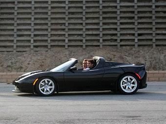 Старт производства Tesla Roadster откладывается на три месяца