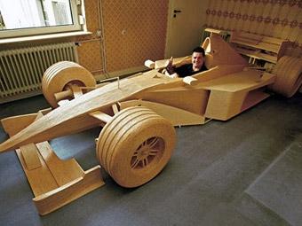 Немец построил формульный болид McLaren из спичек