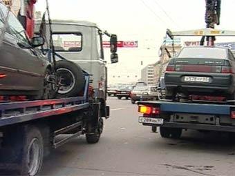 Московским водителям сообщат об эвакуации их автомобилей