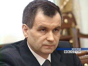 Нургалиев потребовал от гаишников помогать водителям