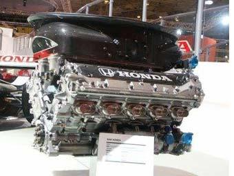 FIA хочет запретить командам Формулы-1 разрабатывать новые моторы