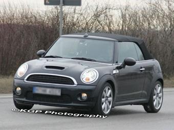 Появились шпионские фотографии нового кабриолета Mini Cooper S