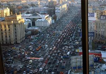 Москвичи теряют в пробках по 11 часов в месяц