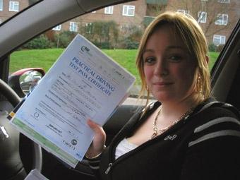 Молодых британцев будут выпускать на дороги через год после получения прав