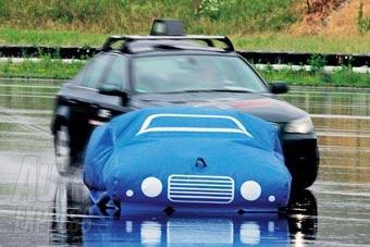 Bosch проводит краш-тесты надувных машин