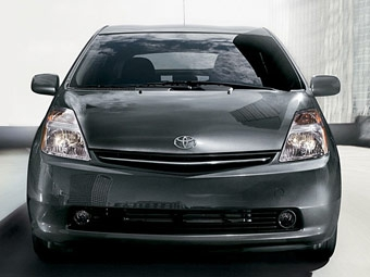 Toyota впервые за 30 лет увеличит цены на свои машины