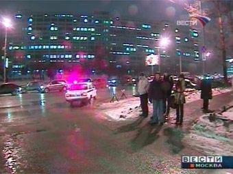 Движение в центре Москвы парализовано из-за снегопада