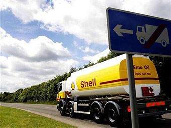 Британские водители бензовозов добились повышения зарплат на 14 процентов