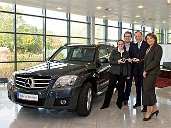 Первый в Европе кроссовер Mercedes GLK вручили владельцу