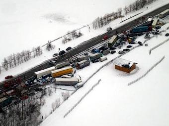 На Боровском шоссе столкнулись более 20 машин