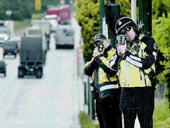 В Канаде бороться с превышением скорости будут картонные полицейские