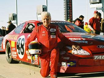 74-летний гонщик планирует выступить в NASCAR Sprint Cup
