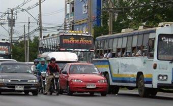Буддийские леденцы спасут тайцев от новогодних автокатастроф