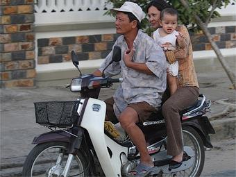 Тощим вьетнамцам запретят ездить на мотоциклах