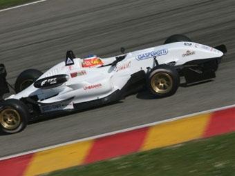 Ferrari протестировала трех молодых гонщиков