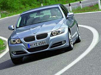 """Компания BMW представила обновленную """"трешку"""""""