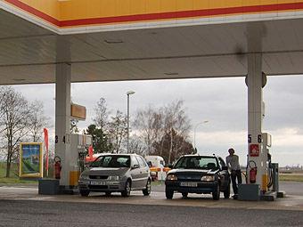 Повышение акцизов на некачественный бензин отложено на 2011 год