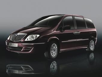 Lancia покажет в Брюсселе обновленный минивэн Phedra