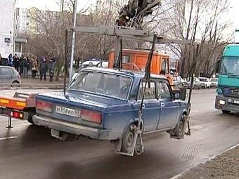 Общественная палата проверит законность эвакуации машин с Тверской
