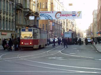 В Петербурге увеличат финансирование строительства и ремонта дорог