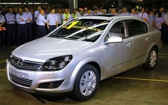 В Польше началось производство седана Opel Astra