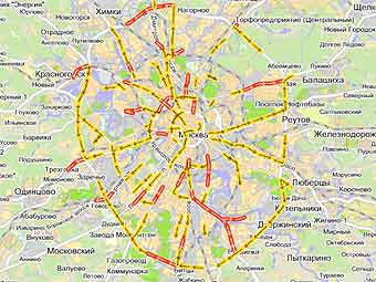 Дачники традиционно парализовали движение в Москве