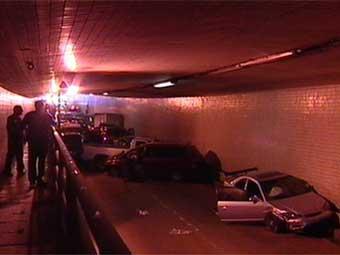 Из-за сломанного самосвала в тоннеле Нового Орлеана столкнулись 23 машины