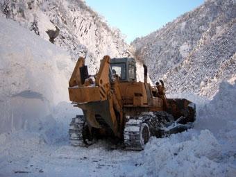 Проезд по Транскавказской магистрали закрыт из-за снегопада