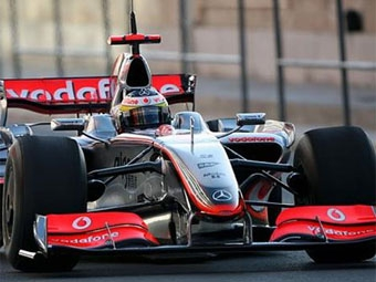 Команда McLaren опередила Ferrari на тестах в Альгарве
