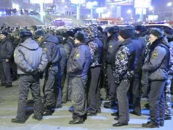 Милиция Владивостока задержала 15 протестующих против увеличения пошлин на иномарки
